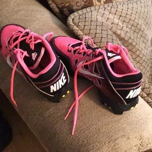 Size 6y womens/ girls Nike cleats pink black used